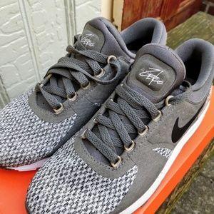 NWT Boy's Nike Airmax Zeko NWT